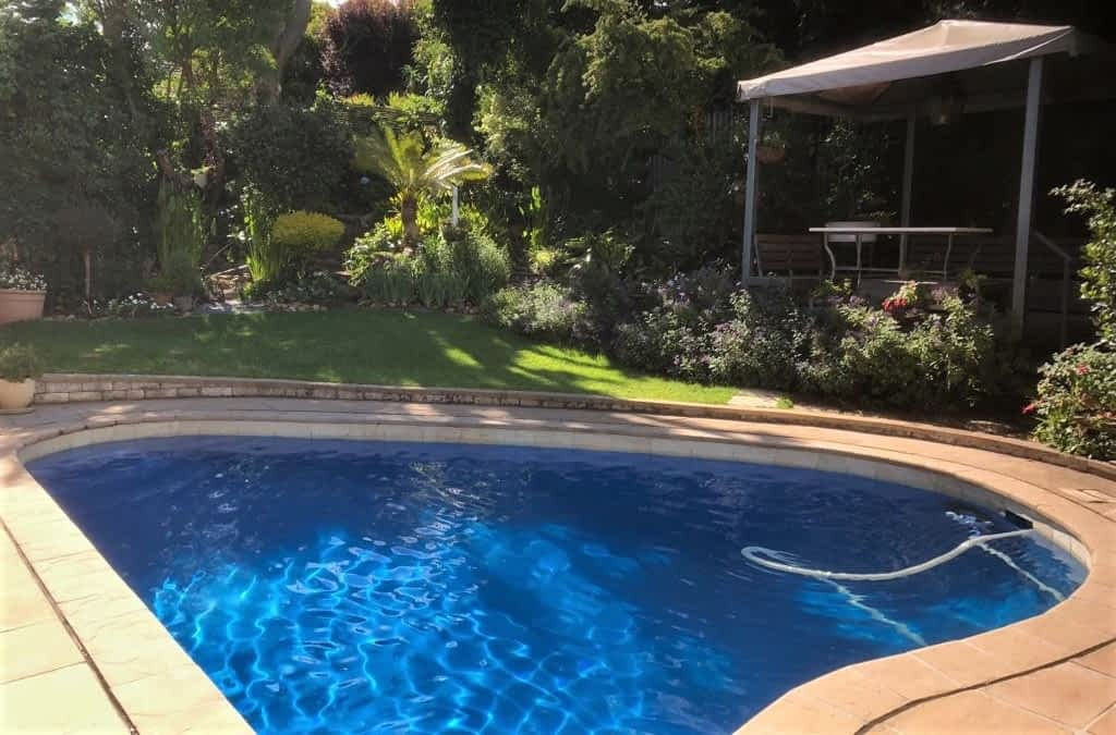 When is the best time to paint your Pool in Cape Town? Late Spring!!